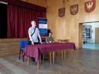 """od lewej: D. Śladecki, prezes Stowarzyszenia """"Wspólnota Polska""""; K. Dąbek, dyr ZSP w Lublinie"""