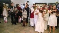 Kolędnicy ze szkoły muzycznej; fot. z www.facebook.com/lubelskiplastyk/
