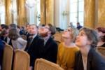 Od lewej: G. Tomczyk, E. Małecki, E. Kołodziej, A. Myszkowiak siedzą na widowni w Sali Balowej. Kliknięcie spowoduje wyświetlenie powiększonego zdjęcia.